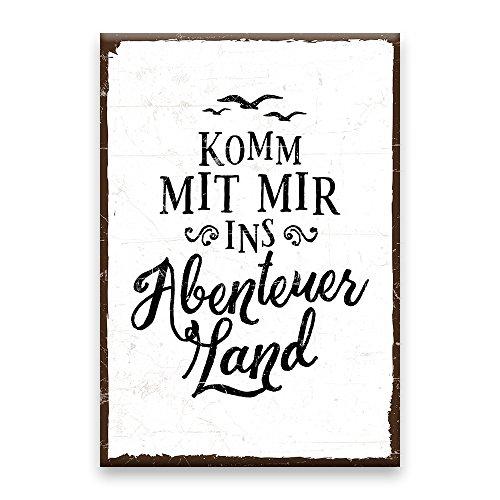 Holzschild mit Spruch – KOMM MIT MIR INS ABENTEUERLAND – shabby chic retro vintage nostalgie deko Typografie-Grafik-Bild bunt im used-look aus MDF-Holz, Schild, Wandschild, Türschild, Holztafel,