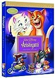 Walt Disney Company Dvd aristogatti (gli) (ediz. speciale)Siamo a Parigi. Un'eccentrica miliardaria dei quartieri alti medita di lasciare la sua favolosa eredità ad una famiglia di gatti d'alto rango. Un'idea che non piace per niente al suo p...