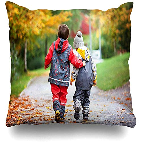 KJDFH Kissenbezug,Two Children Toy Park Day Autumn Time Play Kids Friendship Family Square Decorative Pillow Case 18 X 18 Inch Zippered Pillow Cover Bedroom Living Room