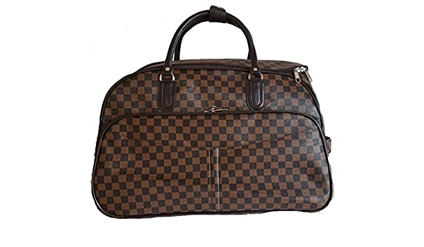 dfb8ba7fa9 Gossip Girl - Designer Inspired Wheeled Trolley Sports Gym Bag -   Holdall  Hand Luggage Weekend Bag (Brown Check)  Amazon.co.uk  Clothing