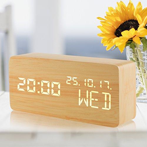 Reloj digital, reloj despertador LED de madera con 3 niveles Brillo ajustable 3 grupos de alarma Triángulo USB / 4AAA Indicadores de sonido con batería Controlado Hora Fecha Temperatura