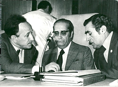 vintage-photo-of-current-portuguese-trio-goncalves-president-costa-gomes-and-the-new-head-of-governm