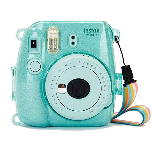 Phetium Schutzhülle Kompatibel mit Instax Mini 9 Mini 8/8+ Sofortbildkamera   Hartplastikcase aus PVC   Anpassbarer Schultergurt in Regenbogenfarben (Eisblau-glänzend)