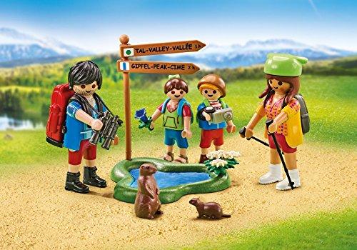 Playmobil 6536. Familia de excursionistas de 4 miembros con estanque y accesorios.