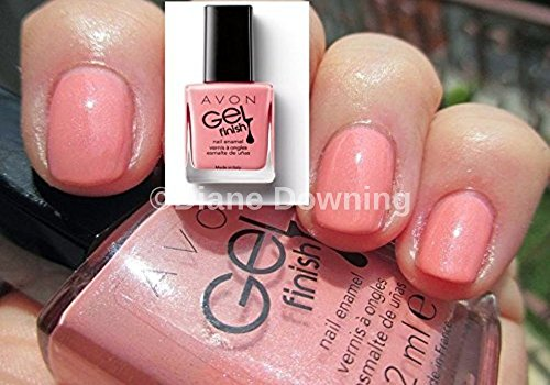 gel-finish-nail-enamel-polish-in-dazzle-pink-from-avon