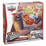 Mattel BDF78 - Disney Cars, Rimessa di pneumatici di Luigi