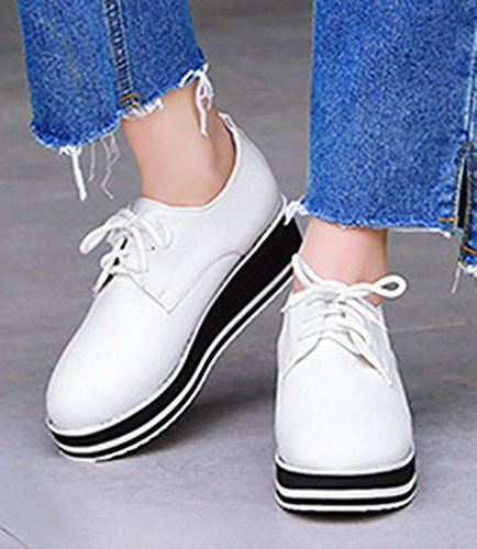 Aisun Femme Confortable Plateforme Basse à Lacets Derbies Baskets Blanc
