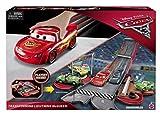 Disney Cars FCW04 Cars 3 Transforming Lightning McQueen Playset