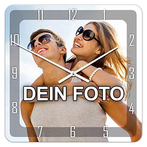 PhotoFancy® - Uhr mit Foto bedrucken - Quadratische Fotouhr aus Kunststoff - Wanduhr mit eigenem Motiv selbst gestalten (35 x 35 cm, Design: Klassisch schwarz / Zeiger: weiß)