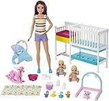 Barbie Playset Skipper Nurserie, Bambola con Bambolotti, Lettino,...