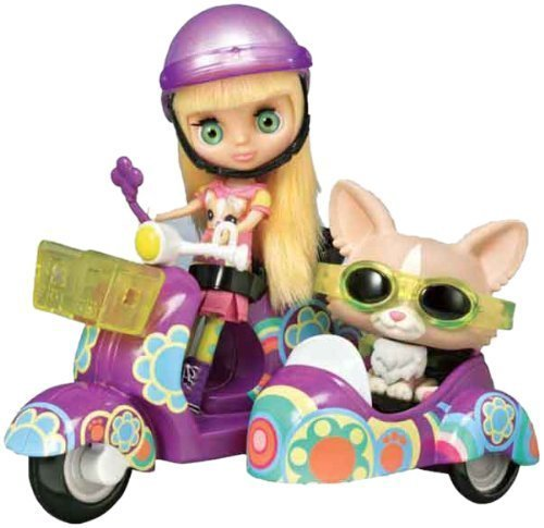 Littlest Pet Shop Scooter with Blythe and Pet by Hasbro (English Manual) 0899998176855