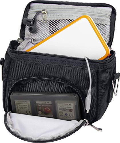 Orzly Travel Bag für alle Nintendo DS Konsole Modell Versionen mit Faltbarer Bildschirm (Original DS / 3DS / DS Lite / 3DS XL / DSi / New 3DS / New 3DS XL / 2DS XL / etc.) - Tasche enthält: Schultergurt + Tragegriff + Gürtelschlaufe + Fächer für Zubehör (Spiele / Stifte / Lade Kabel / Amiibo / etc.) - SCHWARZ