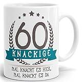 Tasse Geburtstag mit Spruch Kackige 60 - Bedruckter hochglänzender Kaffeebecher zum Geburtstag in weiß ab 1 Stck.