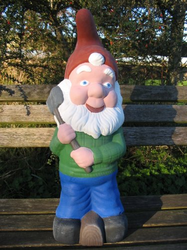 LARGE GNOME WITH AXE GARDEN ORNAMENT - FREE P&P