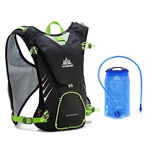 FlightBird Outdoor Wasserdicht Lauf-Marathon 8L Trinkrucksack Rucksack Leichte Wanderung + 1.5 Liter Wasser Tasche f¨¹r Frauen & M?nner 16.5x9.8inch Black+1