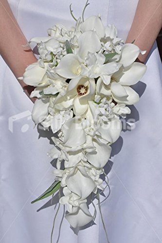 bianco-brillante-calla-lily-magnolia-cascade-bridal-wedding-bouquet