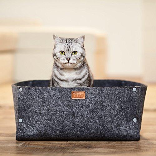 Premium Katzenbett von PiuPet® inkl. Kissen | Passend als Decke für kleine Hunde | Hochwertiges Katzenbettchen in grau | Gemütliche Katzenhöhle