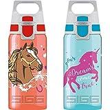 SIGG VIVA ONE Horses, Trinkflasche, 0.5L, Polypropylen, BPA Frei, Rot & Sigg  Kinderflasche SIGG VIVA ONE Unicorn, Kinder Trinkflasche, 0.5 L, Polypropylen, BPA Frei, Türkis, Aqua, 0.5 L, 8686.60