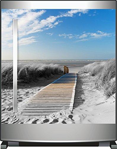 Wallario Kühlschrank-Aufkleber / Geschirrspüler-Aufkleber, selbstklebende Folie für Küchenschränke - 60 x 60 cm, Motiv: Auf dem Holzweg zum Strand in schwarz-weiß Optik
