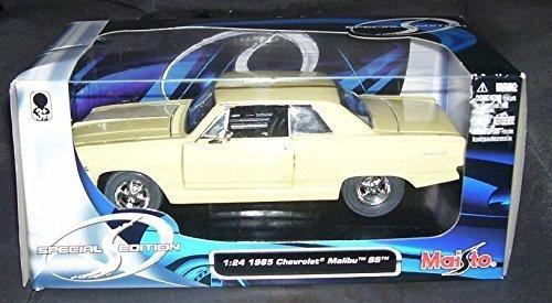 maisto-1965-chevrolet-malibu-ss-in-cream-diecast-car-124-scale-by-maisto
