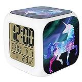 Jyouhin LED Beleuchtet Wecker 7 Färbige Nachtlicht Digital Batterie Quardrat Wecker mit Datum Temperatur Anzeige Einhorn Muster (B)