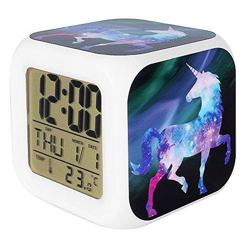 Jyouhin LED Beleuchtet Wecker 7 Färbige Nachtlicht Digital Batterie Quardrat Wecker mit Datum Temperatur Anzeige Einhorn Muster (B) (Led-licht Tippen)