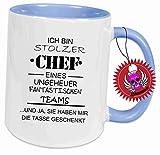 """Spruchtasse Funtasse Hellblau voll mit Aufdruck Spruch """" Ich bin Stolzer Chef eines tollen Teams … … """" Bedruckte Tasse Becher für Kaffee Tee"""