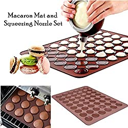 Langtek Tapis de Cuisson Macarons, Plaque à Macarons Meringues Moule en Silicone pour 48 Coques Macarons avec 1 Poche à Douille et 4 Douilles de Formes Differentes