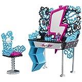 Mattel Monster High Y0404 - Mobile toletta di Frankie Steins, con tanti accessori