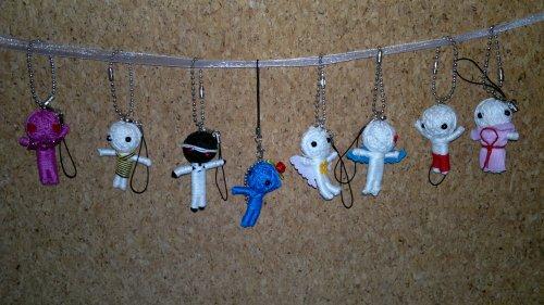 Voodoo-Puppen als Schlüsselanhänger im 8er Set