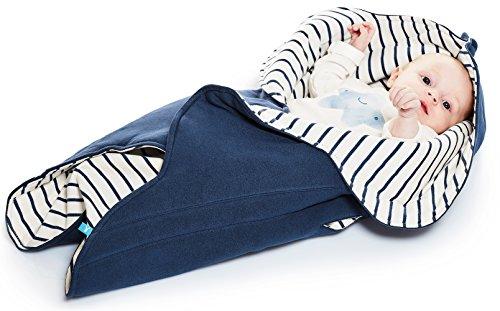 Wallaboo Einschlagdecke Fleur für Babyschale, Autokinderstitz, für Kinderwagen, Suße Blumenform, 0 - 12 Monaten, Farbe: Blau Getreift