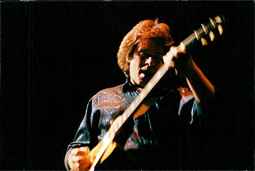 vintage-photo-of-portrait-picture-of-john-fogerty-frontman-and-singer-of-creedence-clearwater-reviva
