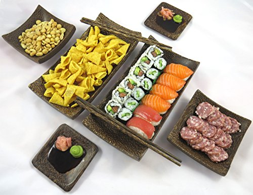 Servizio di aperitivi e set di sushi compreso un set di 2 piatti, 2 piattini, 2 ciotole e 2 paia di bastoncini di