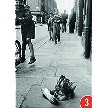 3er-Pack: Postkarte A6 +++ SCHWARZ-WEISS von modern times +++ STREET GAMES +++ BK.EDITION © HOPKINS, Thurston / getty images