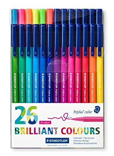 Staedtler Triplus Color 323 TB26 Fasermaler, stabile Spitze, Strichbreite 1.0 mm, leicht auswaschbar, Etui mit 26 farblich sortierten Fasermalern