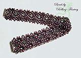 Halsband aus Glasperlen und Swarovski-Steinen - als Geschenk geeignet - reine Handarbeit