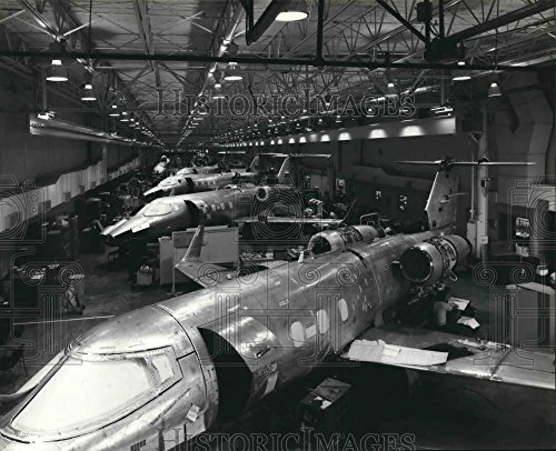 WonderClub Historic Images 1981 Press Photo Production of New 50-Series at Gates Learjet Corp. Plant, AZ - 8.5