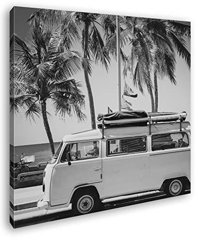 deyoli VW Camper am Strand mit Palmen im Format: 40x40 Effekt: Schwarz&Weiß als Leinwandbild, Motiv auf Echtholzrahmen, Hochwertiger Digitaldruck mit Rahmen, Kein Poster oder Plakat