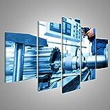islandburner Bild Bilder auf Leinwand Man arbeitet CNC-Bohr- und Bohrmaschine in der Werkstatt. Industrie, Industrie. Verschiedene Formate ! Direkt vom Hersteller ! Bilder ! Wandbild Poster Leinwandbilder ! ESC
