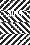 2019: Jan - Dez Wochenplaner   365 Tage Terminkalender mit Uhrzeit   1 Tag auf 1 Seite, ca. A5   Streifen Optische Illusion