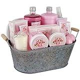 Gloss The Country Garden Badeset Geschenkset Rose 11 teiliges, 1er Pack (1 x 2.52 kg) (Zufalliges design) Geschenk-Box - Bade-Geschenk