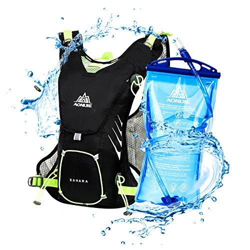 LOCAL LION Ultraleicht Trinkrucksack Hydrationspack Laufrucksack 8L Laufen Marathon Rennen Radfahren mit 1.5L Trinkblase