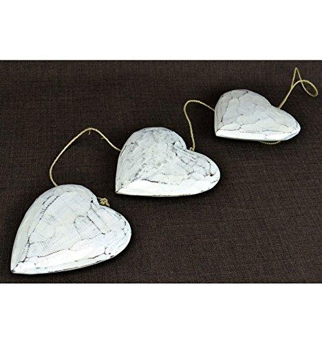 Artisanal Guirlande décorative 3 Coeurs en Bois Blanc patiné.
