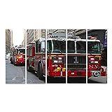 Cuadro Cuadros CIUDAD DE NUEVA YORK- 18 DE DICIEMBRE: Motor FDNY 1 en el centro de Manhattan el 18 de diciembre de 2014. FDNY es el mayor proveedor combinado de bomberos y servicios de emerg