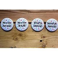 """Grand badge ou magnet de 56 mm -""""Bientôt"""" ou""""année"""" (au choix) Maman Papa Papi Mamie - Petites mains"""