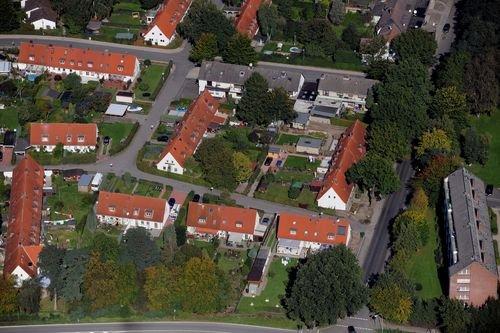 MF Matthias Friedel - Luftbildfotografie Luftbild von Eichloh in Glinde (Stormarn), aufgenommen am 22.09.10 um 13:42 Uhr, Bildnummer: 5739-09, Auflösung: 6048x4032px = 24MP - Fotoabzug 50x75cm