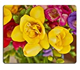 luxlady Gaming Mousepad Bild-ID: 23210477 gelb Freesie closup Floral Background