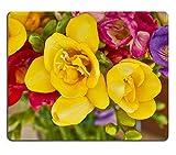 luxlady Gaming Mousepad Bild-ID: 23210477gelb Freesie closup Floral Background