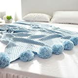Enjoygoeu Kuscheldecke Strickdecke Baumwolle Weich Wohndecke Tagesdecke Klimaanlage Decke mit Pompom für Fernsehen Sofa Bett (150 x 200cm, Hellblau)