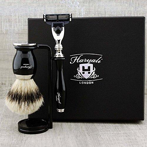 Schwarze Farbe 3 Stück Herren Rasierset. Das Set kommt mit Pure Sliver Tipp Badger Haarbürste, Gillette Mach 3 Razor & Ständer/Halter für beide Pinsel & Rasierer. Perfekt als Geschenk für ihn.
